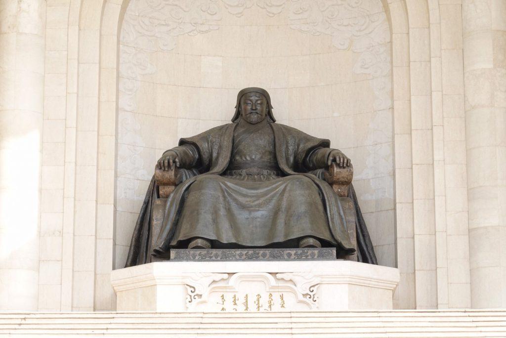 走吧壯遊去!山和雲的彼端 - 蒙古旅遊懶人包 成吉思汗廣場