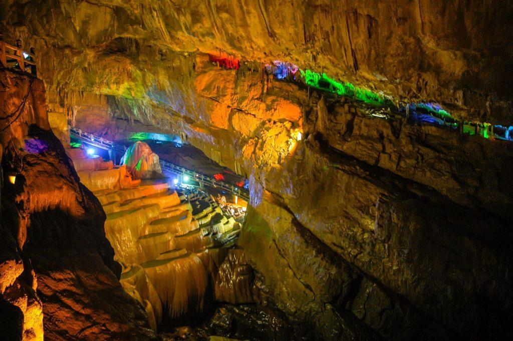 中國雲南 | 大自然賦予的4寶奇觀,山、林、水、洞 5 4