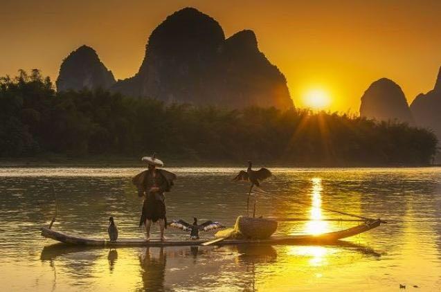 中國 桂林 灕江|青絲帶勾勒的山水畫軸