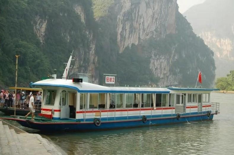 中國 桂林|冠岩碼頭遊船