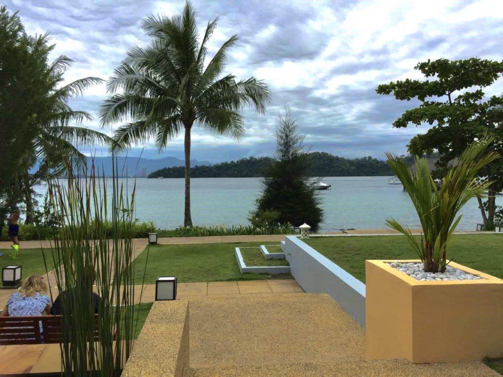 馬來西亞_沙巴綠中海_渡假村大廳前景