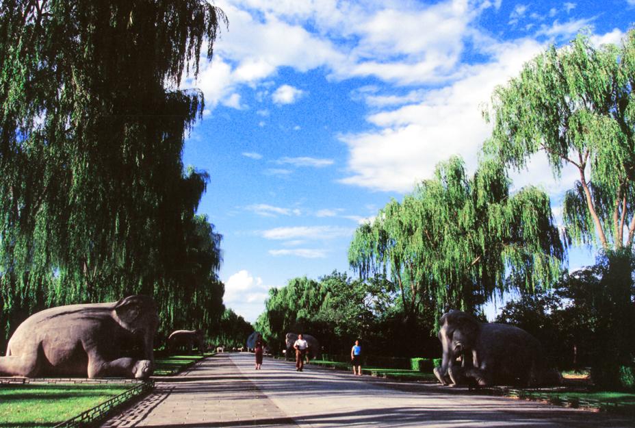 中國 華北|北京5大必遊的歷史古蹟名城! 十三陵神路 God Road in Ming Tombs