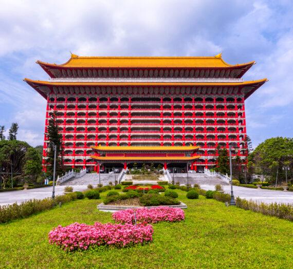 台北圓山|走進中國宮廷!古色古香建築美學、東西密道巡禮、元首級國宴.必訪景點一次告訴你