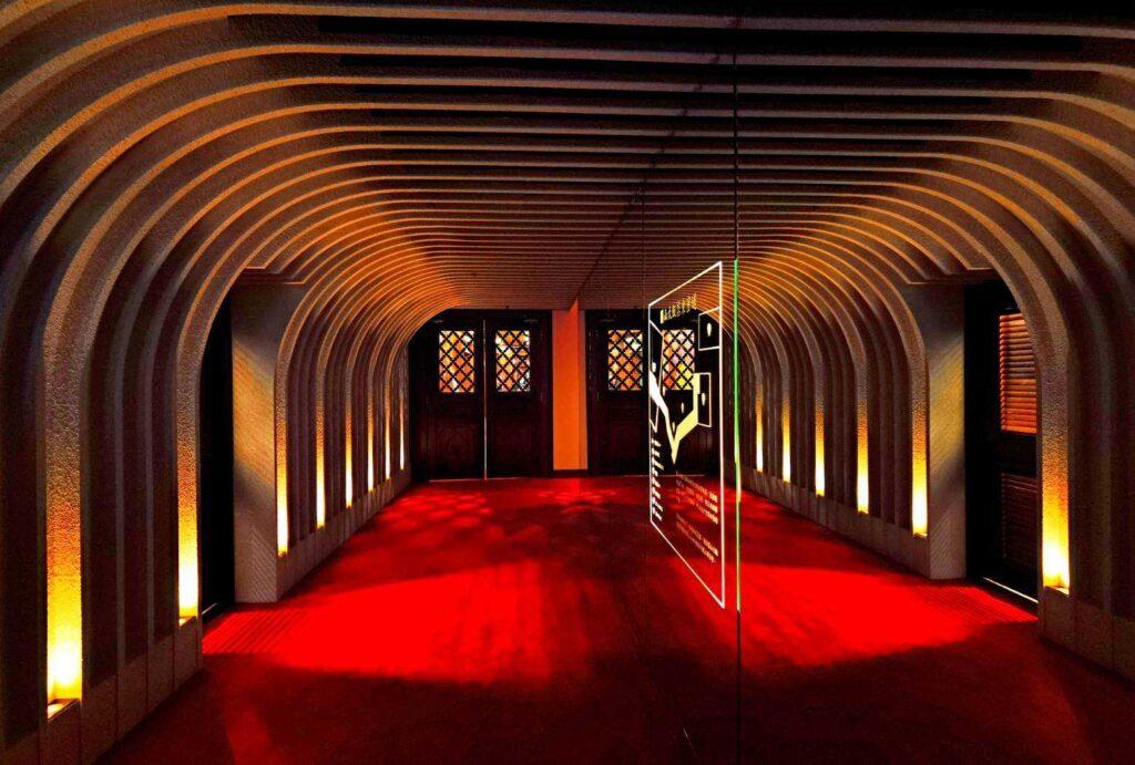 台北圓山|走進中國宮廷!古色古香建築美學、東西密道巡禮、元首級國宴.必訪景點一次告訴你 密道照片 210422 1