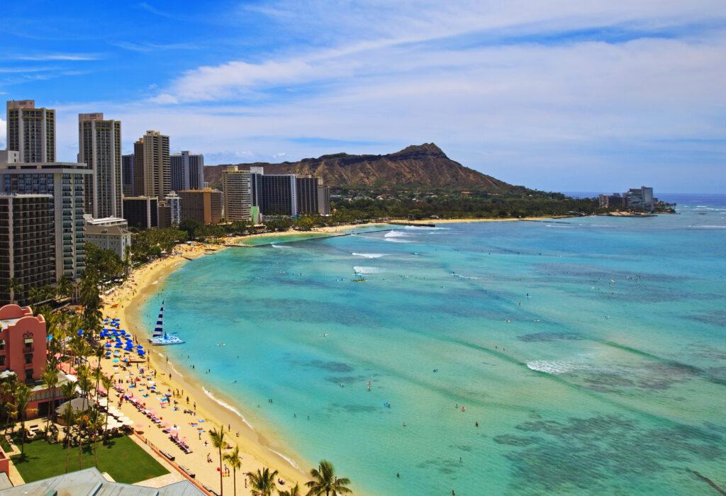 美國|洛杉磯、舊金山、夏威夷度假勝地、美景世界級的國家公園.美西必訪的10大景點 夏威夷 威基基海灘 shutterstock 30774235