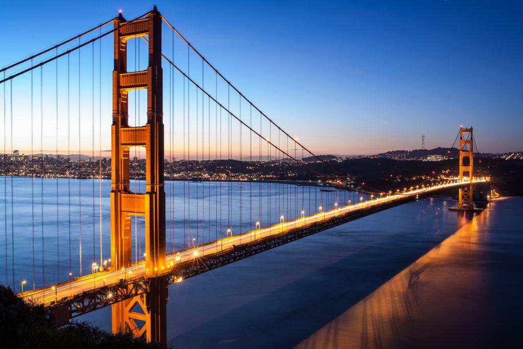 美國|洛杉磯、舊金山、夏威夷度假勝地、美景世界級的國家公園.美西必訪的10大景點 美國 加利福尼亞州 舊金山 舊金山大橋 shutterstock 119642419